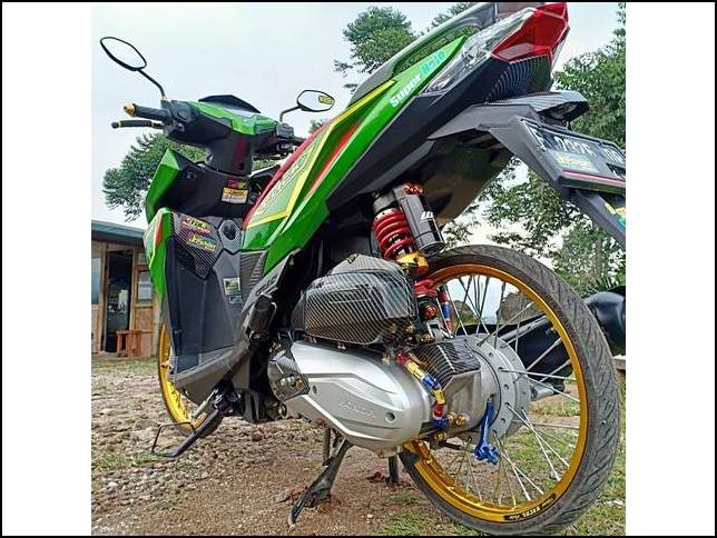 Modifikasi Honda Vario 150 Ring 17