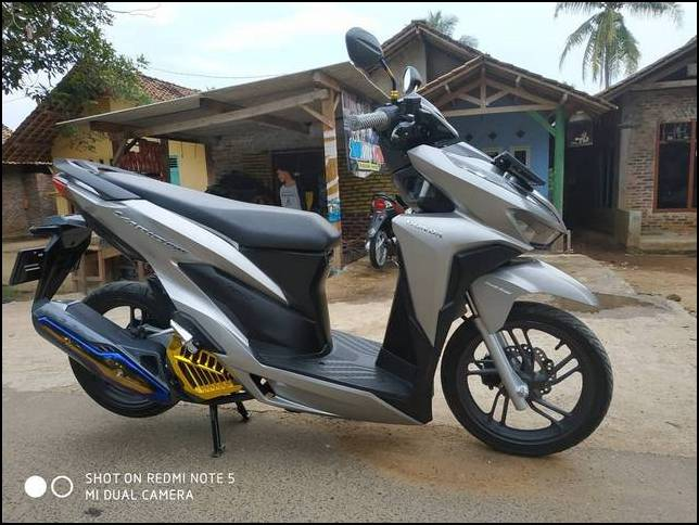 Modifikasi Vario 150 Coklat