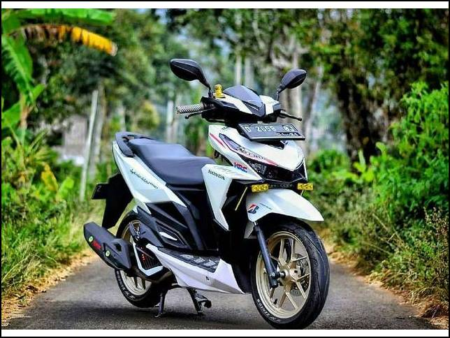 Modifikasi Vario 150 Putih