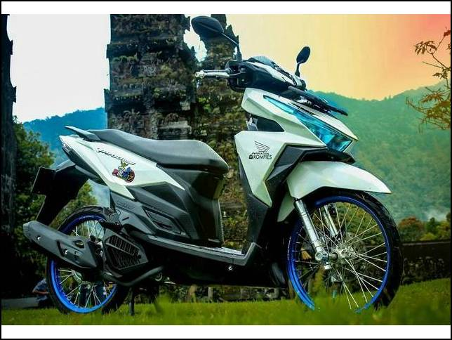 Modifikasi Vario 150 Ring 17 Warna Putih