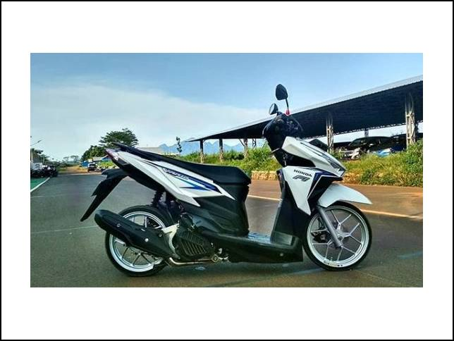 Modifikasi Vario 150 Simple Putih