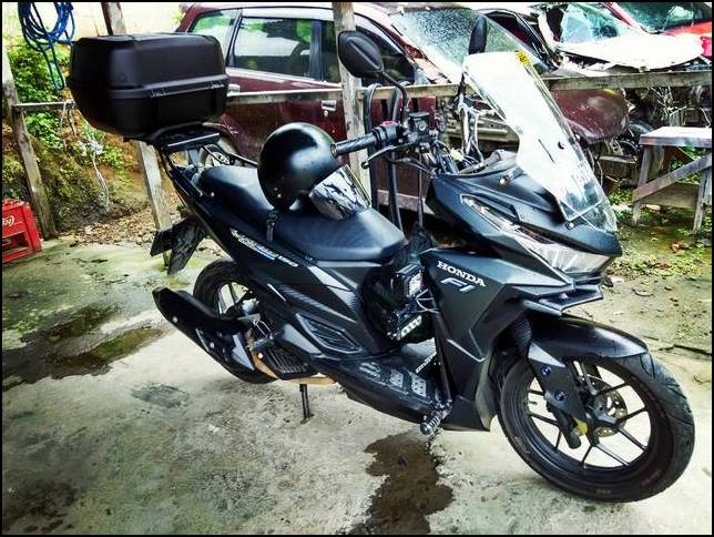 Modifikasi Vario 150 Touring Box